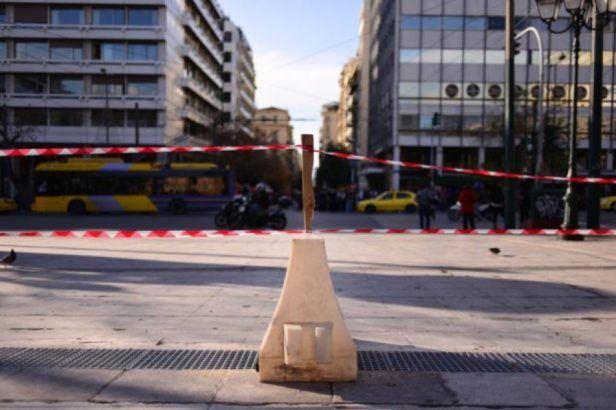 DISJUNCTION-13-Roadblock-and-barricade-tape-on-Syntagma-Square.