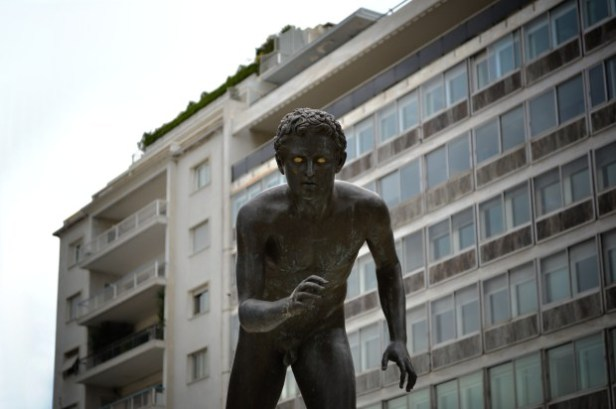 DISJUNCTION-8-Young-runner-statue-on-Syntagma-square